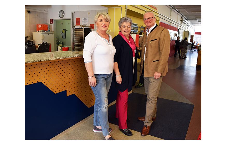 STR Peter Spicker mit Barbara Sandhofer und Silvia Bauer (v.r.n.l.)